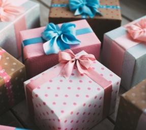 Geschenkartikel / Wertgutscheine